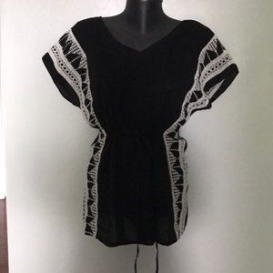 Gap, black embroidered tunic